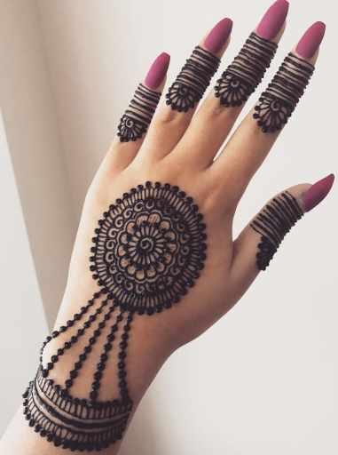 Trendy mehndi design