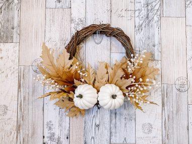White Pumpkin & Maple Leaf Mini Wreath