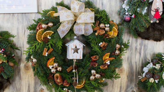 christmas wreaths for front door decor for a welcoming atmosphere