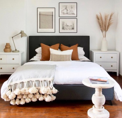 Hints of farm-life with this delightfully organic beige bedroom décor