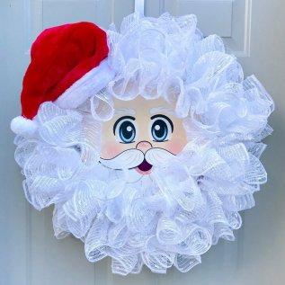 mesh santa wreath. tulle santa wreath DIY