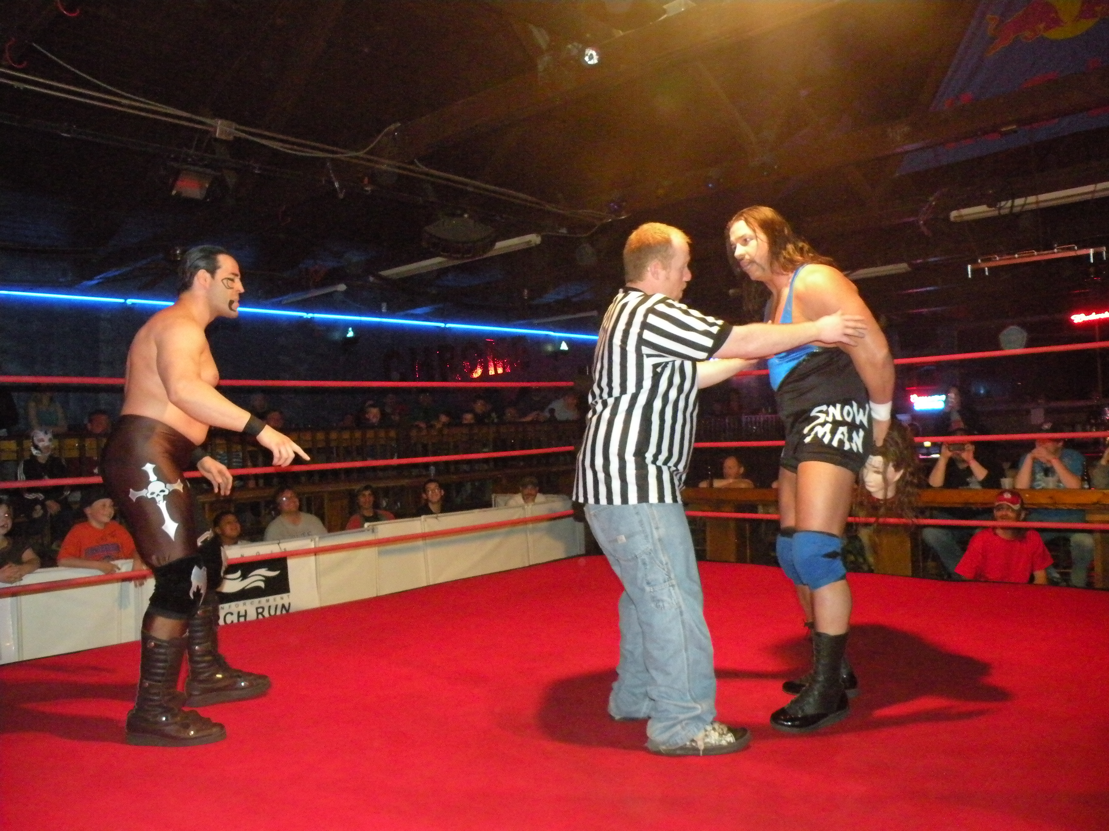 Al Snow plays head games with Dirge.