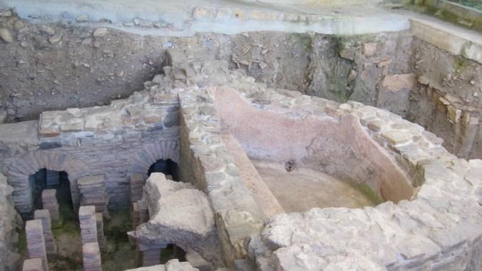 Excavation of the Roman thermal bath Valduna