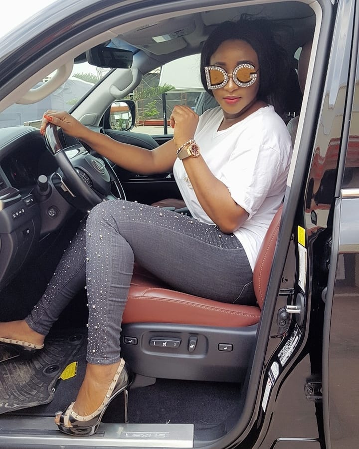 a524d497528 Ini Edo slays in 900K D G embellished glasses – Miss Petite Nigeria Blog