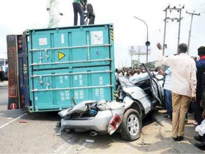 Trailer crushes father, two children to death