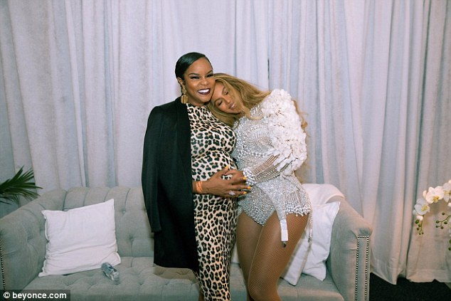 Beyonce shares sweet photo with LeToya Luckett
