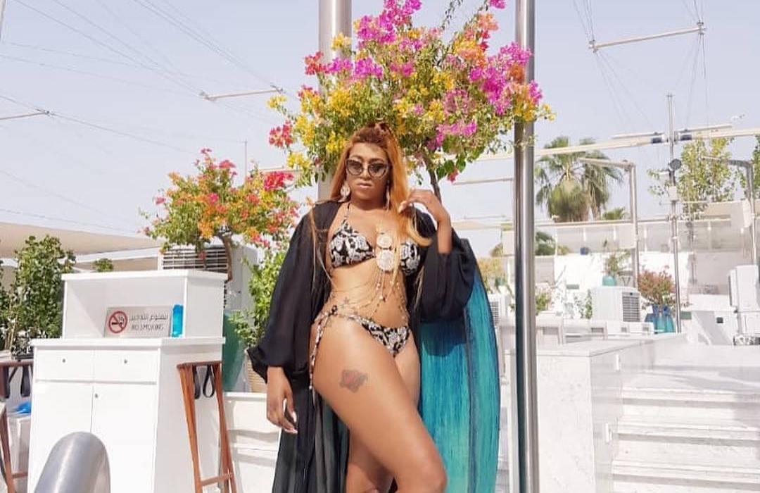 Rukky Sanda shows off her bikini body