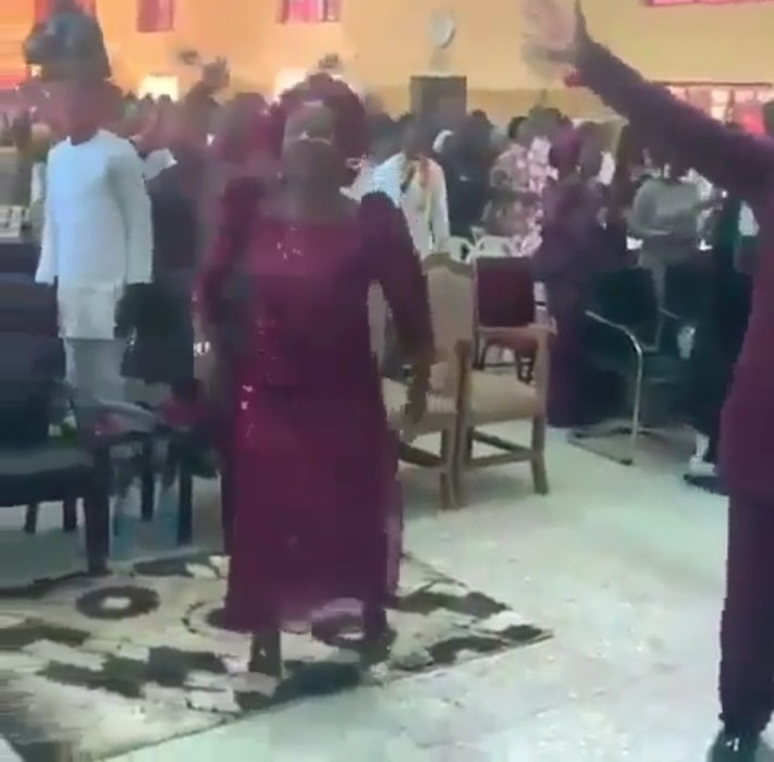 "(Video) Mummy G.O. Dances ""Gbe Body, Zanku Legwork"" during church service"