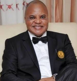 Video: 50 -Year_Old Man Steals Senator, Ifeanyi Araraume's Bag At Imo Airport
