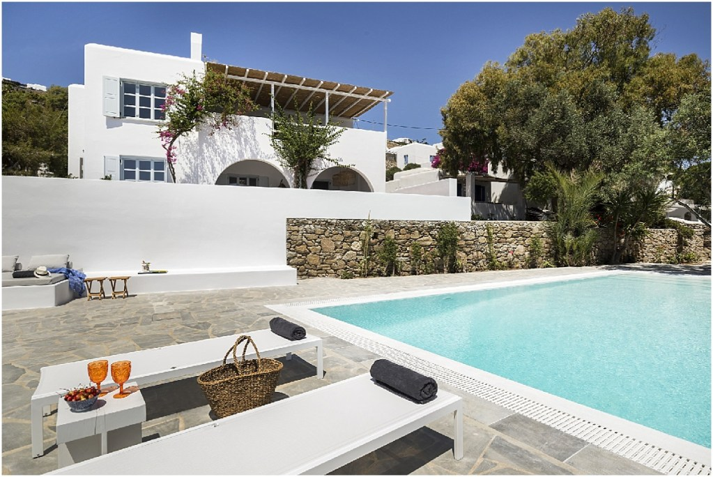 Bougain Villa: Mykonos Summer House in Agios Ioannis