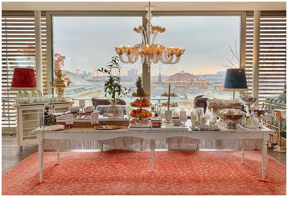 Breakfast at the Grand Ferdinand Hotel