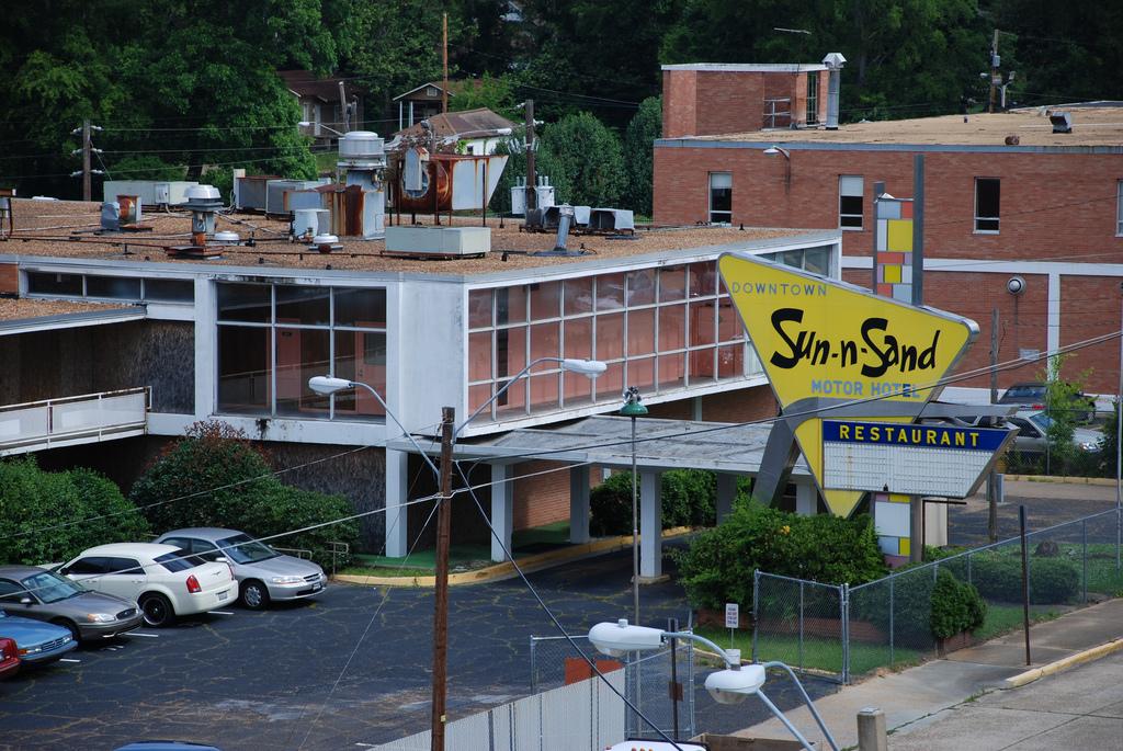 Sun-n-Sand Motor Hotel