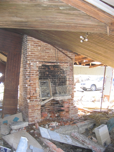 Interior Charnley Norwood guest House. Ocean Springs Jackson County. MDAH 9-13-2005 from MDAH HRI db accessed 8-24-2014