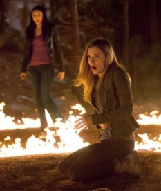 """""""The Sun Also Rises"""" - Nina Dobrev as Elena Gilbert and Sara Canning as Jenna in THE VAMPIRE DIARIES on The CW. Photo: Bob Mahoney/The CW ©2011 The CW Network, LLC. All Rights Reserved."""