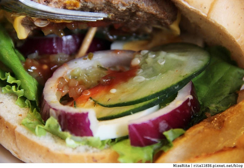 Burger Bus 漢堡巴士 旱溪美食 台中早午餐 台中漢堡 台中英式餐廳 Burger Bus 英國開車玩一圈 台中推薦早午餐43