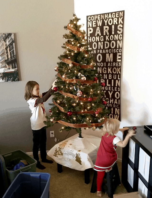 5 Simple and Memorable Holiday Traditions Your Family Will Love, holiday traditions, Christmas traditions, fun Christmas traditions, list of family traditions, unique Christmas traditions,