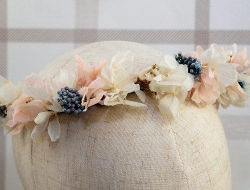 Corona de flores preservadas Querubina 2