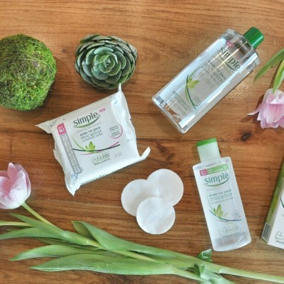 HOW TO REMOVE MAKEUP USING SIMPLE'S MICELLAR WATER