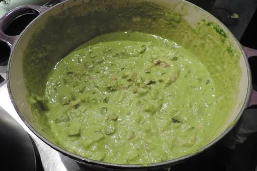 El curry verde haciendose...