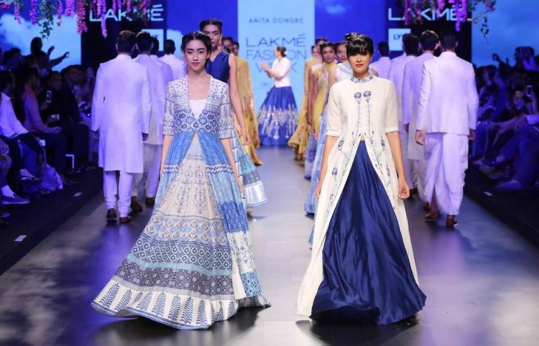 Fashion Meets Technology at Lakme Fashion Week 2016 with #LYFSmartphones