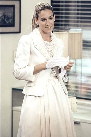 Carrie Bradshaw visits Bigs office in white skirt suit