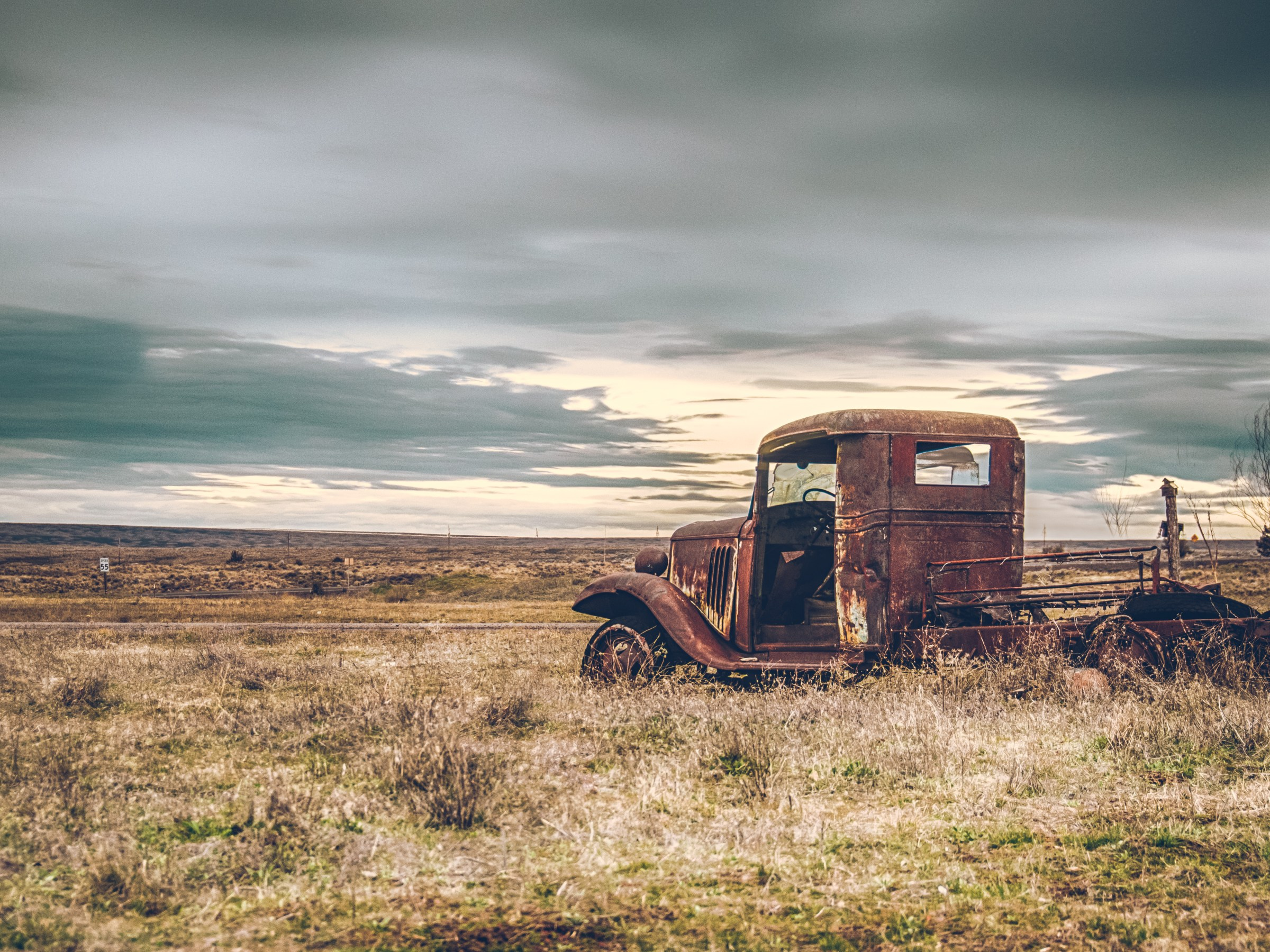 Old car in Shaniko, OR