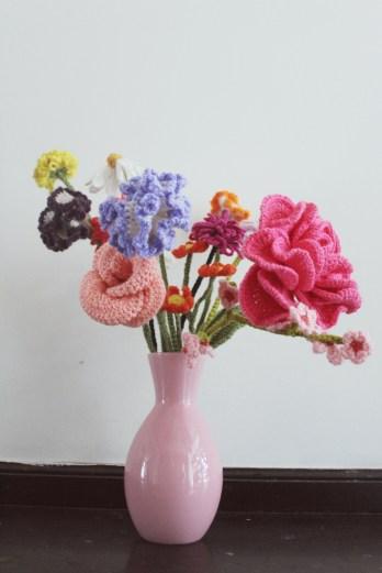 finding-beautiful-flowers-to-crochet-3