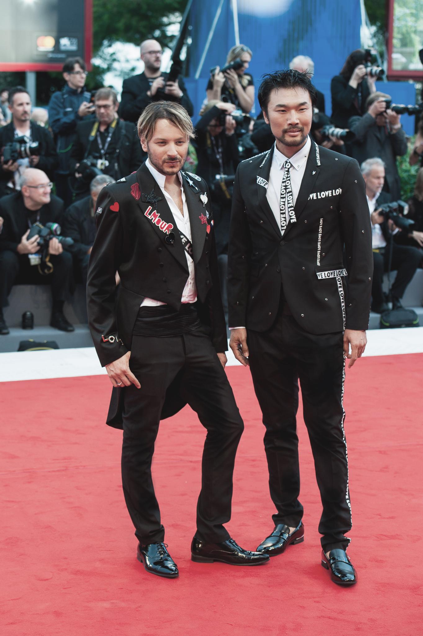 Angelo Cruciani e Shi Yang Shi sul Red Carpet di Suburbicon al Festival del Cinema di Venezia 74