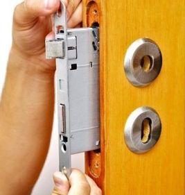abertura de porta 24 horas chaveiro urgente