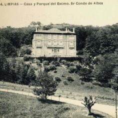 Vista de la fachada de entrada al Palacio.