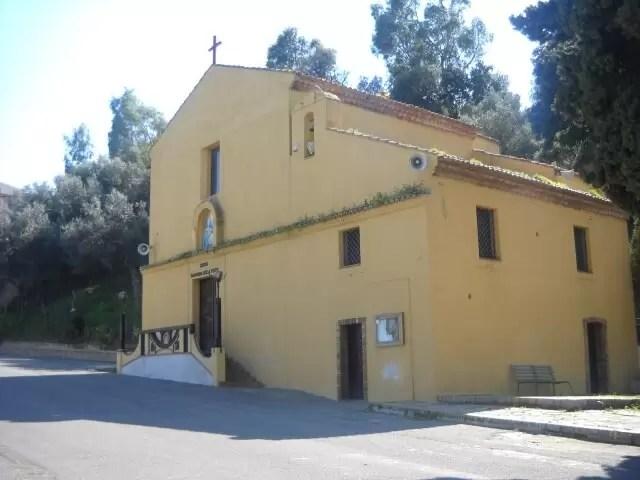 Foto: Santuario della Madonna della Pietà a Crosia (Cosenza).