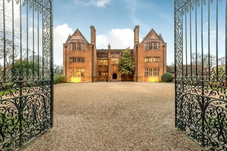 Hampshire wedding venue new place in wickham
