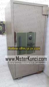 Jasa Tukang Kunci Brangkas Panggilan Profesional Terpercaya di Purworejo, Jawa Tengah hubungi 0896-5639-3339