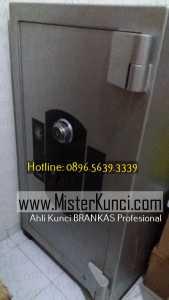 Jasa Ahli Kunci Brankas Panggilan di Jambu, Semarang hubungi 0896-5639-3339