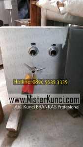Jasa Tukang Kunci Brangkas Panggilan di Wujil, Bergas, Semarang hubungi 0896-5639-3339