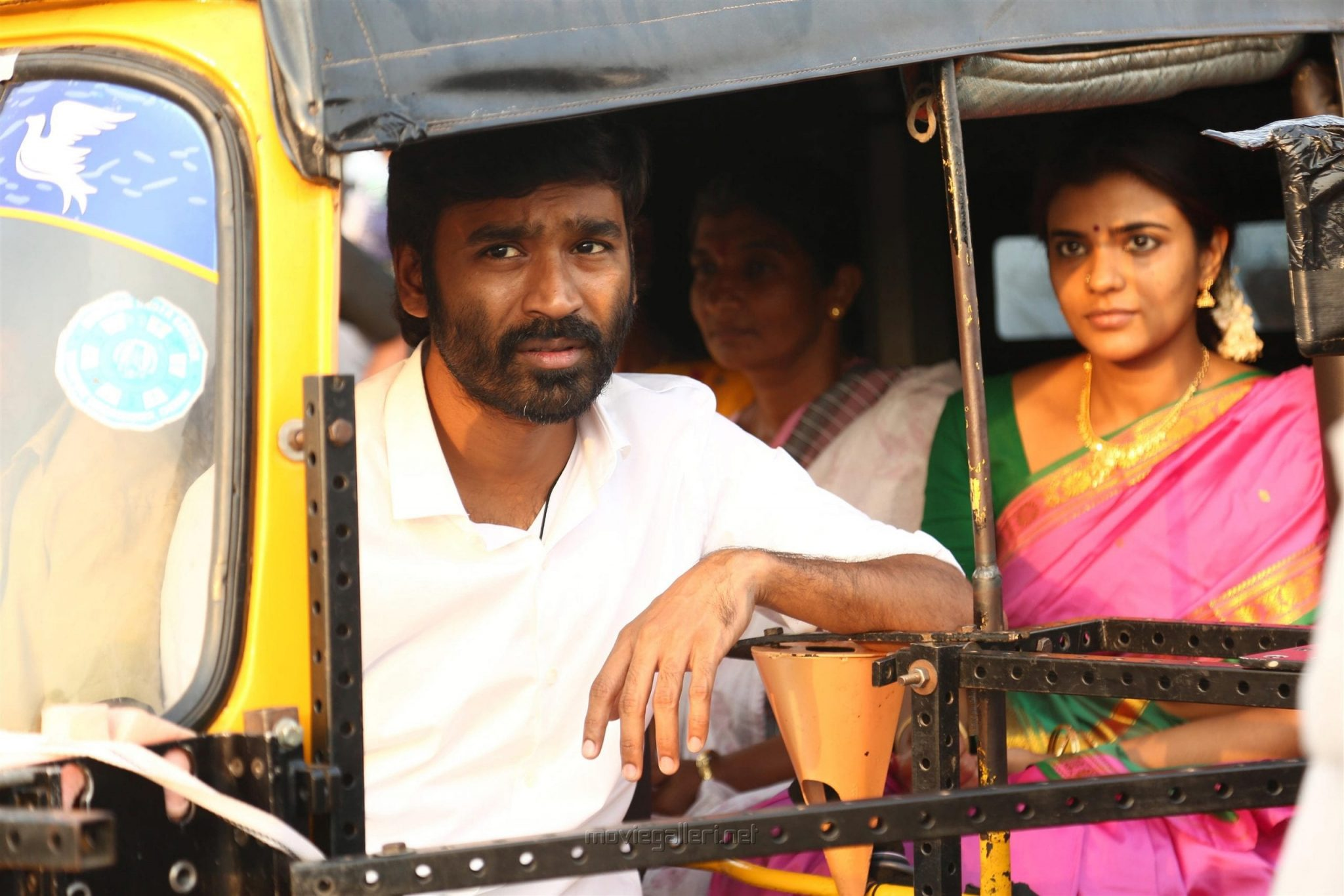 Vada Chennai Review A Slice Of The Underworld That S Raw Yet Captivating