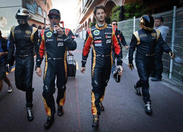 Les Daft Punk escortent les pilotes Lotus au GP de Monaco
