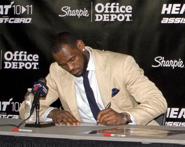 salaire Lebron James basketteurs NBA