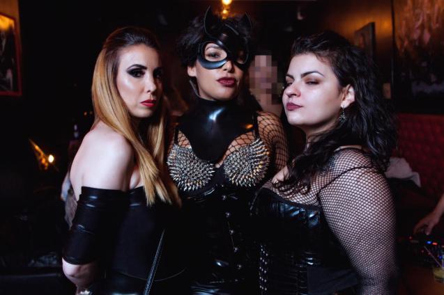 Mistress Charlotte, Mistress V-Black e Lilith Corax