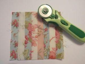 Colchas de patchwork para casas de muñecas cortar tiras