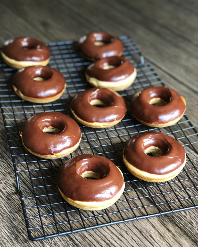 Healthy Peanut Butter and Chocolate glazed baked donuts!