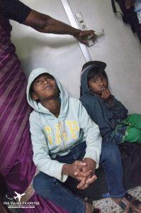 niños en tren