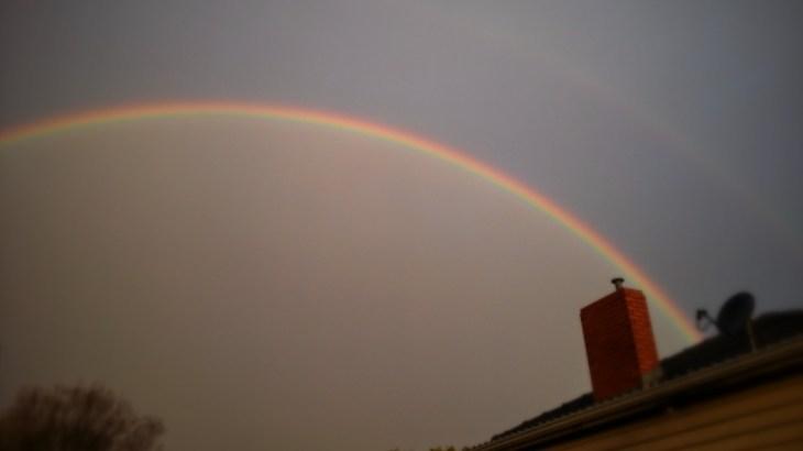 一日に四季がある?メルボルンの天候と今日の虹