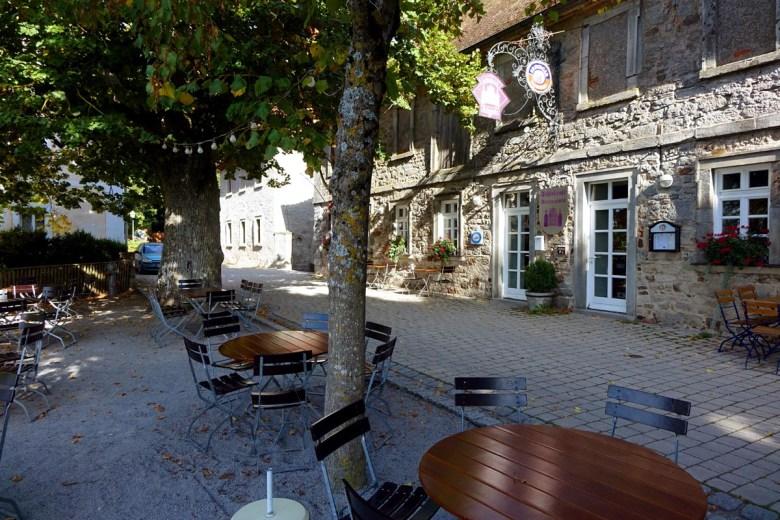 Direkt am Parkplatz von Schloss Schillingsfürst liegt das Schlosscafé