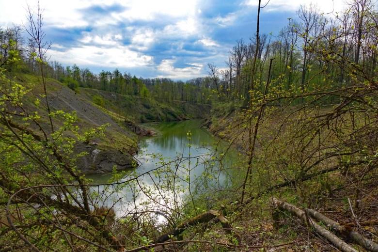 Neuer See am Endseer Berg beim Gipsbruch Endsee im Landkreis Ansbach Mittelfranken