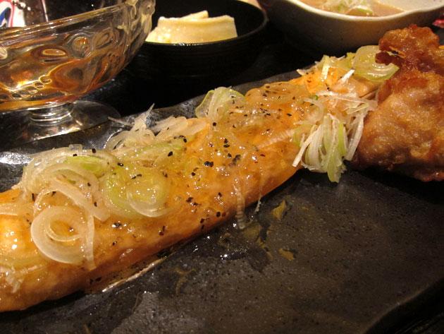 名物家 田町店 ネギ塩サーモン定食