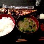 魚美味い。炭火焼干物食堂 越後屋吉之助