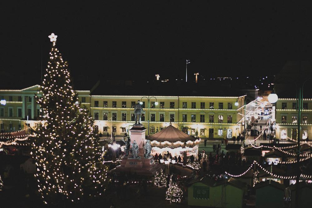 Weihnachtsmarkt auf dem Senatsplatz