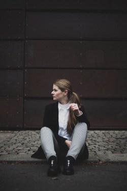 Ich sitze auf der Straße