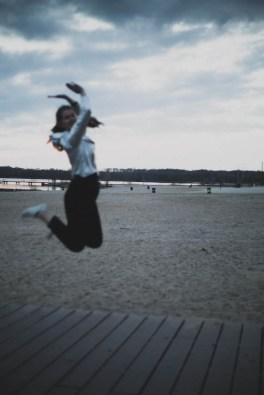 Ich springe in die Luft
